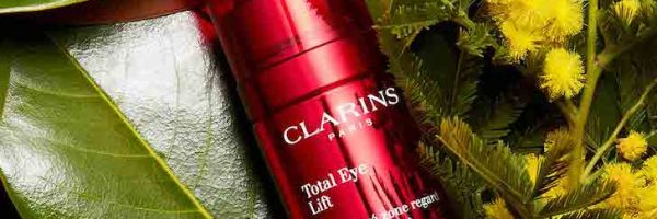 Échantillon gratuit de la crème contour des yeux Clarins